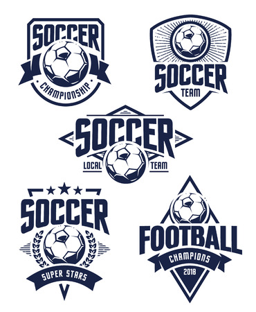 벡터 축구 엠 블 럼 설정합니다. 레트로 스타일 축구 배지 흰색 배경에 고립. 축구 팀 아이콘 템플릿입니다.