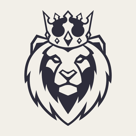 Lion in crown looking danger. Lion head icon. Lion vector logo template. Фото со стока - 112955840