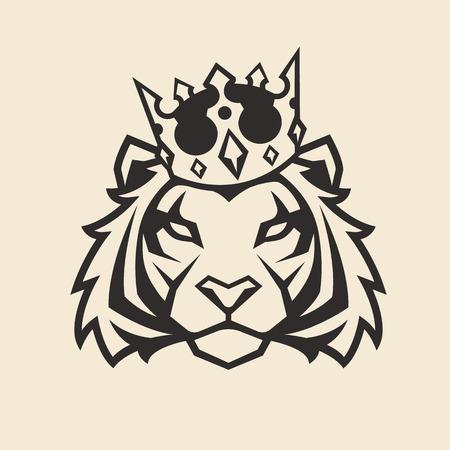 Tiger in crown looking danger. Tiger head icon. Tiger vector logo template. Stock Illustratie