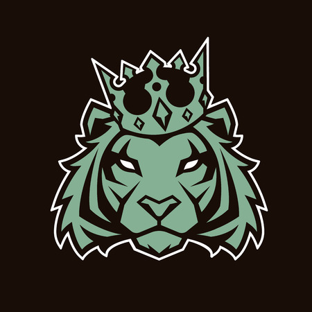 Tiger in crown looking danger. Tiger head icon. Tiger vector logo template.  イラスト・ベクター素材