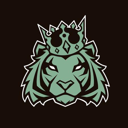 Tiger in crown looking danger. Tiger head icon. Tiger vector logo template. 向量圖像