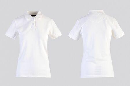 Camisa de polo en blanco para mujer blanca, vista frontal y posterior aislada en blanco en maniquí invisible Foto de archivo