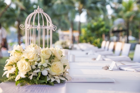 wedding dinner set up in garden inside beach 版權商用圖片
