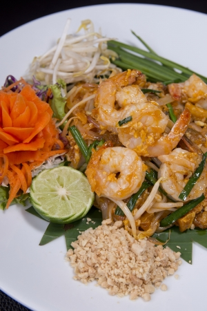 Pad-Thai  thai food, fried noodle with shrimp Stock Photo - 20168204