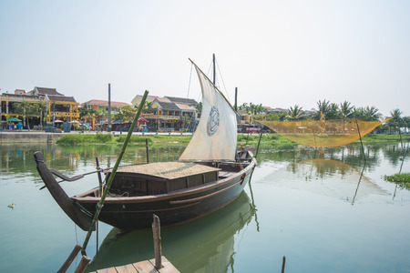 bn: Hoi An - Vietnam 16 de marzo: El r�o Bn jue en Hoi An antigua ciudad el 16 de marzo 2015 Vietnam