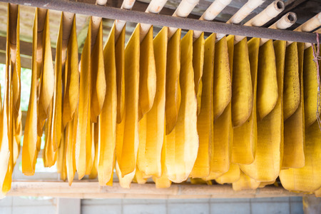 rubber sheet: The rubber sheet are hanged on the bamboo hanger, raw