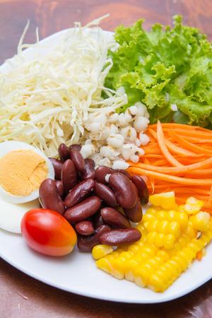 buena salud: ensalada de verduras para una buena salud, la alimentaci�n Foto de archivo