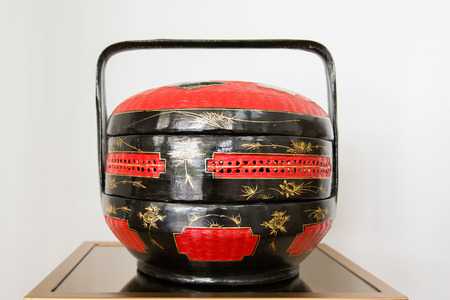 tiffin: antique wood tiffin chinese style, decor