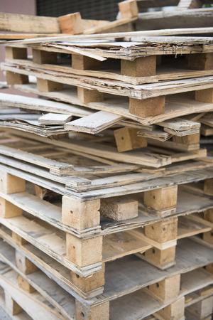 ferraille: Caisses de bois de rebut pour le recyclage, bo�te en bois