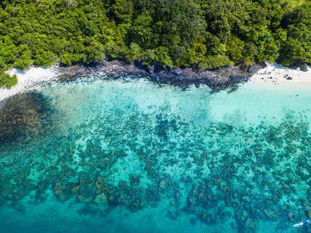 Aerial view or top view of tropical island beach with clear water at Coral Island, Koh Hey, Phuket, Thailand 版權商用圖片
