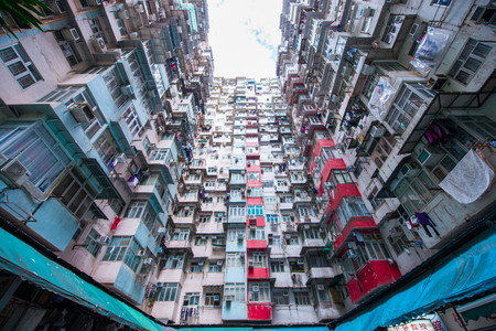 Hong Kong - January 11, 2018 :Old apartment in Hong Kong is a place that part of Tranformer scene 報道画像