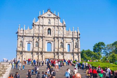 Macau - 15. Januar 2018: Ruinen Fassade der St.Paul's Cathedral in Macau, historische Architektur als Wahrzeichen von Macau