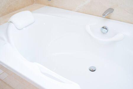 big white bathtub in shower room,bath Foto de archivo - 126635901