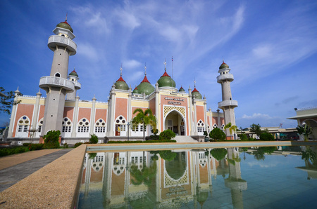 pattani thailand: mezquita central de Pattani, Tailandia Editorial