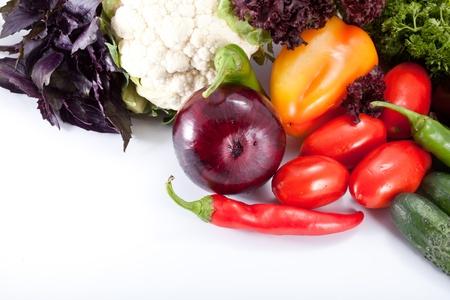 Smakelijke verse groenten voor salade voorbereiding