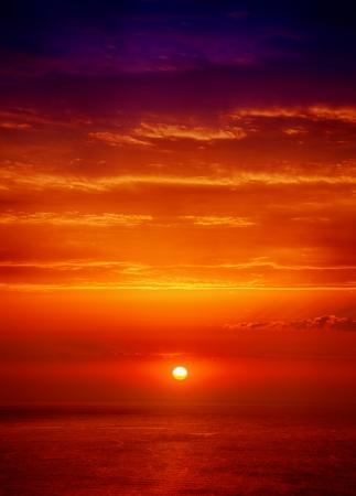 hdr: Beau lever de soleil sur l'image HDR mer Banque d'images