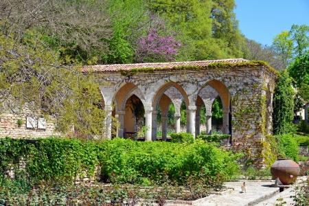 balchik: Roman bath in the yard of Balchik palace , Bulgaria