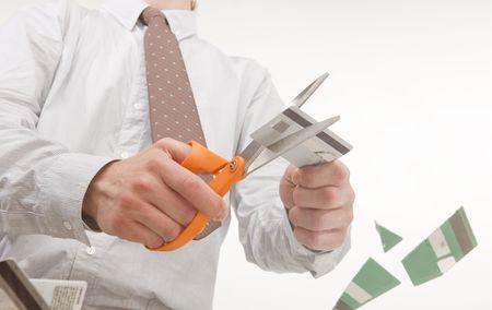 hombre pobre: la perspectiva �nica de la persona que corte las tarjetas de cr�dito