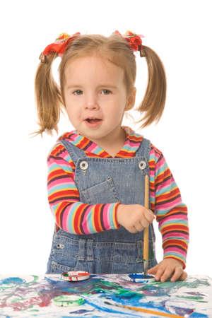 petite fille de peinture sur un fond blanc Banque d'images