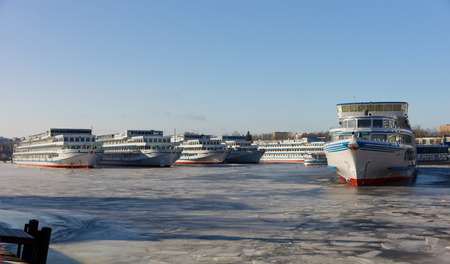 shiprepair: Passenger ships are wintering in the bay. Khlebnikov, ship-repair factory.