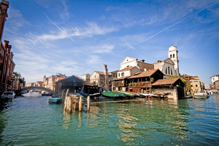journeying: Gondola workshop hidden in Venice