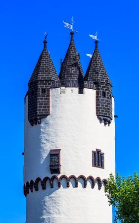 donjon: Donjon tower in Castle Park of Hanau-Steinheim, Hesse, Rhine-Main region, Germany