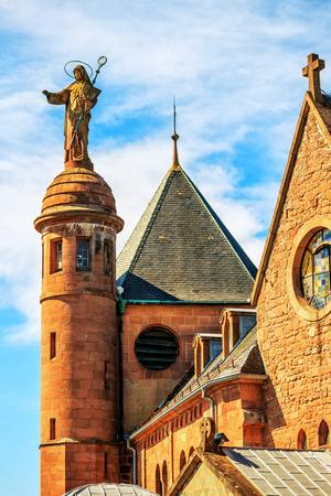 알자스의 셍트 오딜 (Sainte Odile) 수도원, 오딜 (Odile)과 오틸리 (Ottilie)는 좋은 시력과 알자스의 후원자입니다. 스톡 콘텐츠