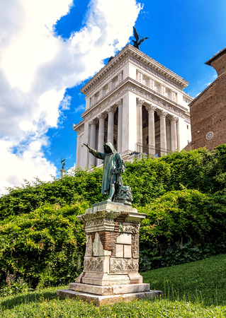 venezia: Historical Venice Square (Piazza Venezia) in Rome, Italy