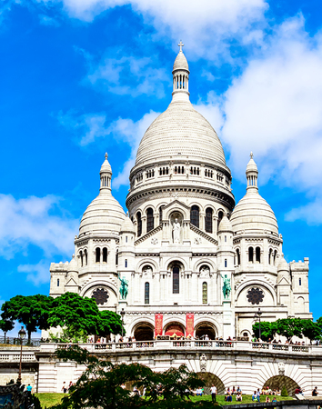 sacre: Paris - Sacre Coeur on the hill of Montmartre