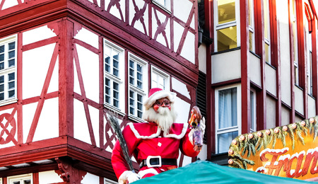 roemerberg: Traditional (since 1393) Christmas Market in historic center of Frankfurt am Main, Germany