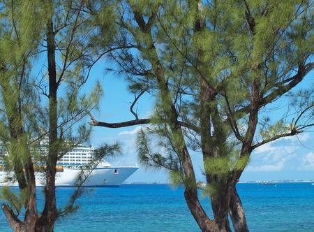 cayman: Cruise Ship Grand Cayman