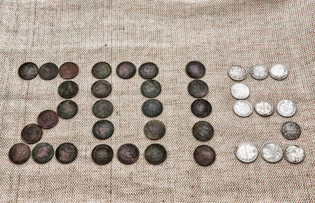 monedas antiguas: cifra de 2.015 monedas antiguas Foto de archivo