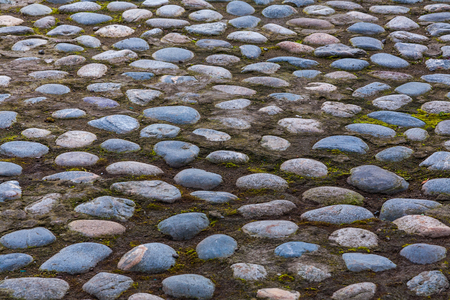 hammered: The monastic road is made according to the ancient recipe - big cobble-stones are hammered into the earth