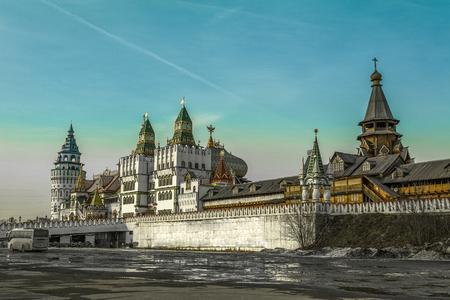 Izmaylovsky Kremlin at the beginning of spring