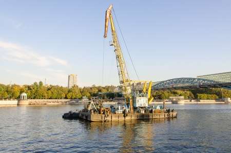 moskva river: Repair work in water area of the Moskva River