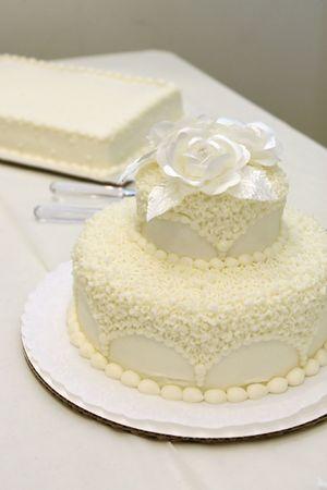 simple wedding cake at reception