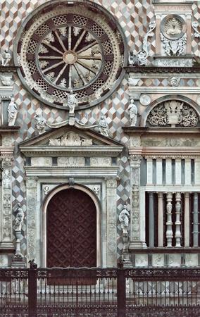 cappella: The Cappella Colleoni is a church and mausoleum in Bergamo in northern Italy. Foto de archivo