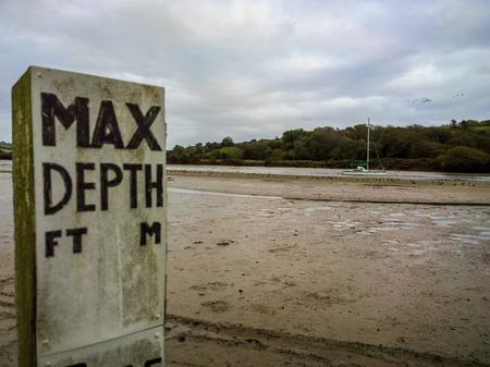 estuary: Max depth on the Avon estuary Devon UK