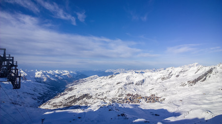 confortable: Showing a view of the mountain at Val Thorens Ski Resort