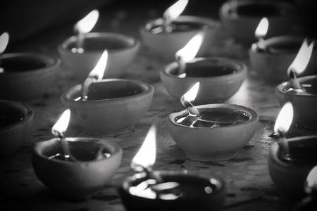 imagen desaturada de l�mpara de aceite tradicional Foto de archivo