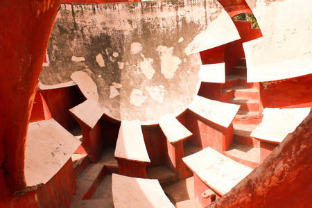 astronomical architecture created by Jai Singh to observe celestial objects, Jantar Manatar
