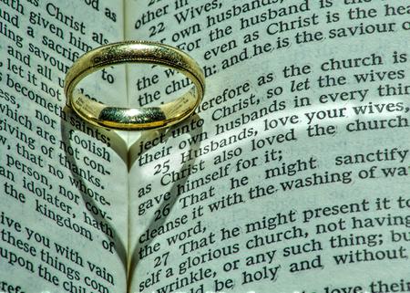 respetar: Los maridos deben amar a sus esposas Foto de archivo