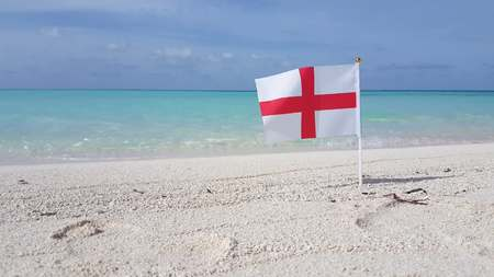 v00531 Maldives beautiful beach background white sandy tropical paradise island with blue sky sea water ocean 4k england english red cross st george flag