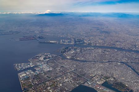도쿄 만과 후지산의 공중 전망