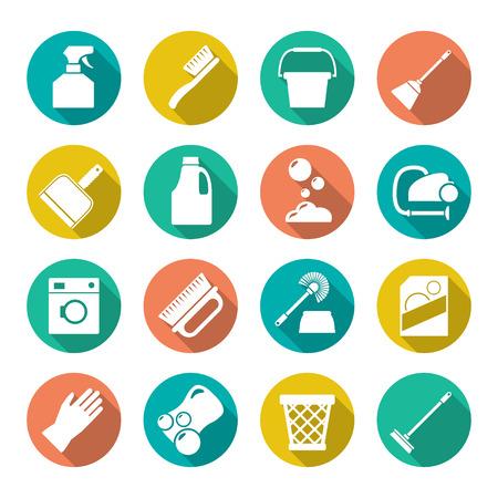 productos de limpieza: Fije los iconos planos de limpieza aislados en blanco Vectores