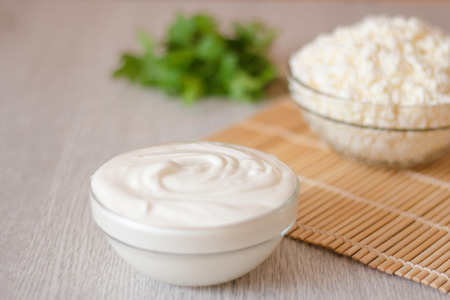 healthy meals: cottage cheese and cream
