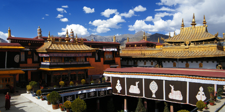 Captivating Tibet Lhasa Jokhang Temple Landscape Architecture Banco De Imagens    95520913