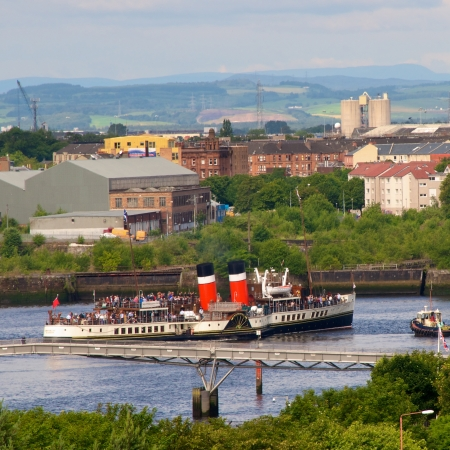 waverley: Waverley sailing down the Clyde in centre of Glasgow, Scotland on its regular cruises during the summer months