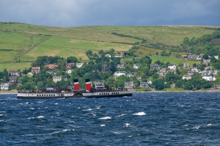waverley: The paddlestemaer Waverley sailing on the River Clyde near Gourock, Scotland