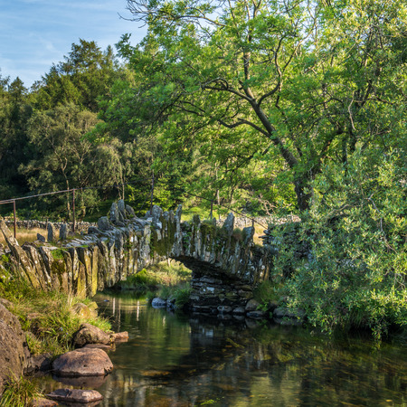 langdale: The Slaters Bridge in Little Langdale in English Lake District crossing the River Brathy